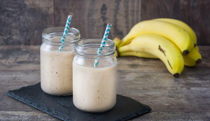 Bananen-Orangen-Proteinshake