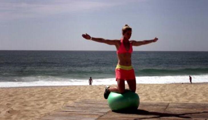 Bikini-Workout: Balanceakt