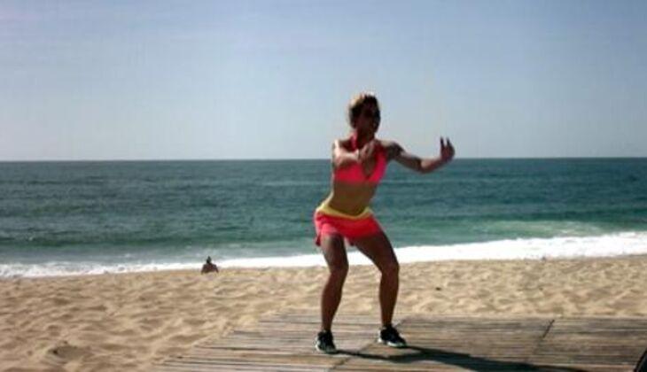 Bikini-Workout: Gehockter Jump