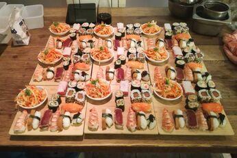 Das haben die Sushi-Kurs-Teilnehmer alles selbst gezaubert