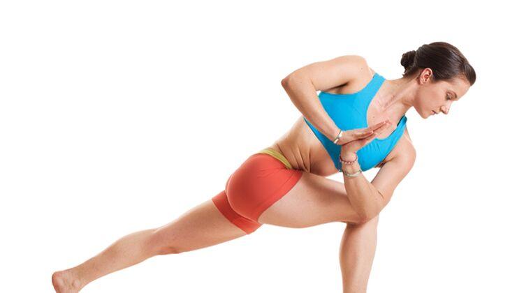 Den Körper entgiften beim Yoga: Gedrehter seitlicher Winkel