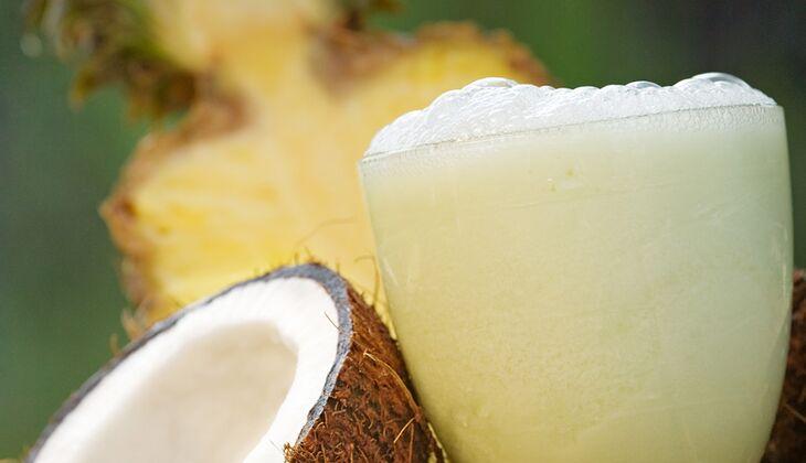 Exotischer Ananas-Kokos-Shake