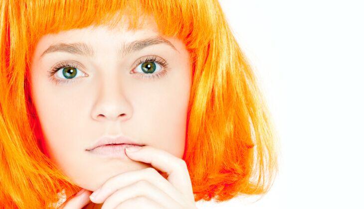 Grund für Orangenstich im Haar sind Rotpigmente im Haar