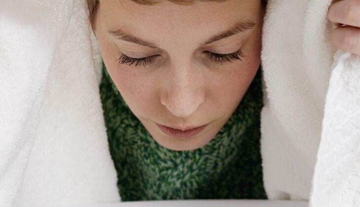 Inhalieren hilft gegen Schnupfen und Husten