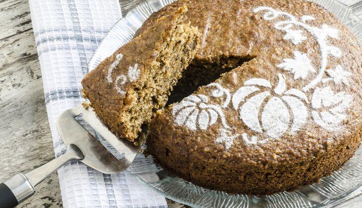Kürbis-Kuchen mit Walnüssen