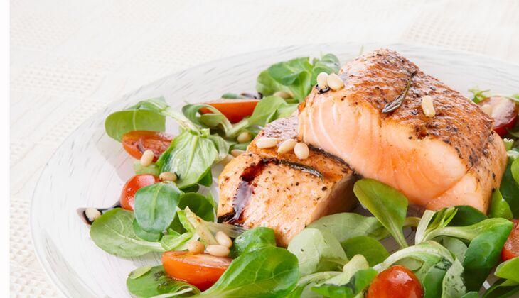 Lachs-auf-Salat