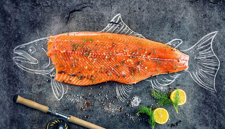Lachs gehört zu den gesündesten Fettfischen