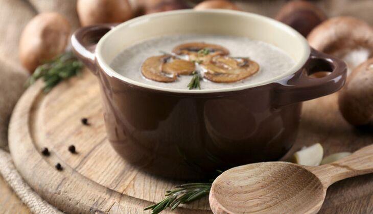 Leichte Champignon-Cremesuppe