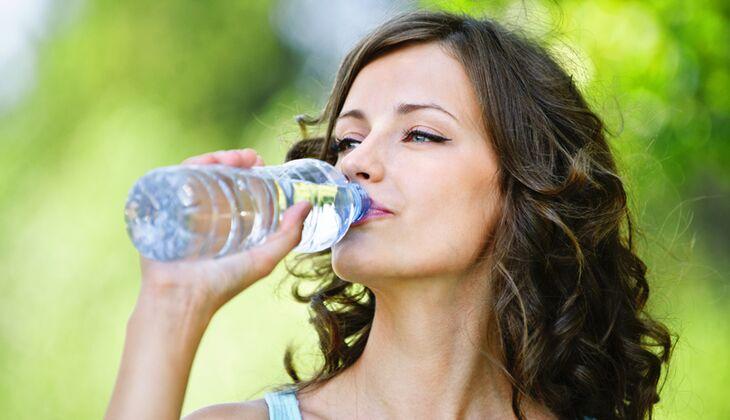Leitungswasser ist nicht weniger gesund als Mineralwasser