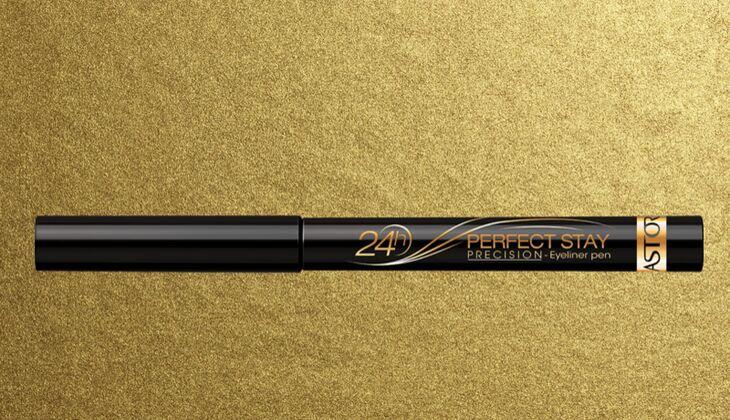 Lidstrich mit Eyeliner: Astor Perfect Stay 24h Precision Eye-Liner