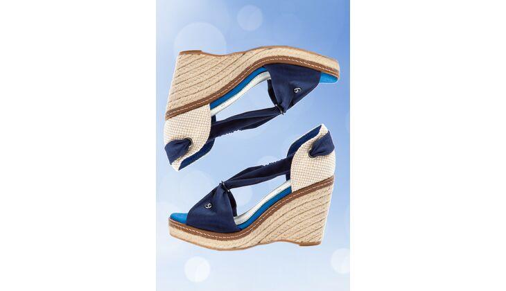 Sommerfarbe Himmelblau