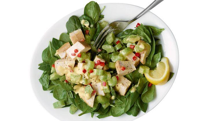 Spinatsalat mit Hühnchen