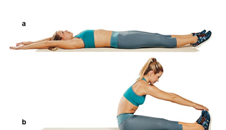 Trainingsplan flacher Bauch: Lang gezogene Sit-ups