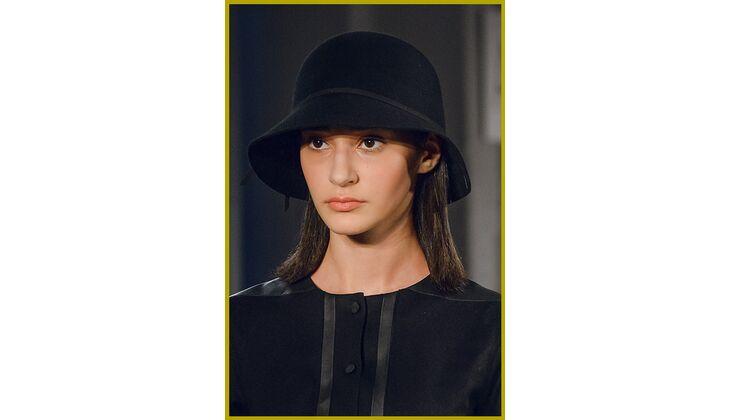 Trend Frisur mit Hut für Frauen 2017