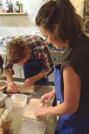 Unsere Autorin beim Sushi-Kurs von miomente