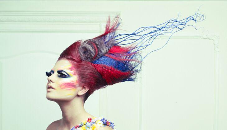 Viele Haarfarben enthalten PPD, eine Chemiekalie, die  Allergien auslösen kann