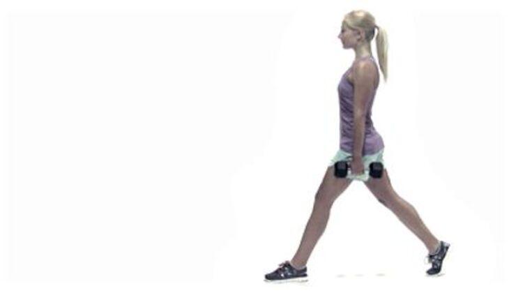 Wintersport-Workout: Ausfallschritt mit Gewicht