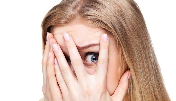 Wissenswertes über Kontaktlinsen: Können Linsen tatsächlich hinter demAugapfel verschwinden?