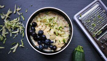 Zucchini-Porridge ist das ideale Frühstück
