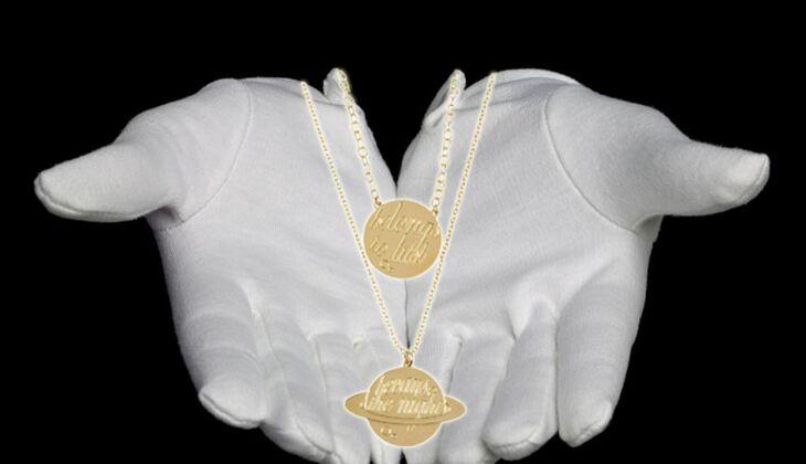 Zweireihige Kette von Alphabeta, zirka 80 Euro, über Yoox