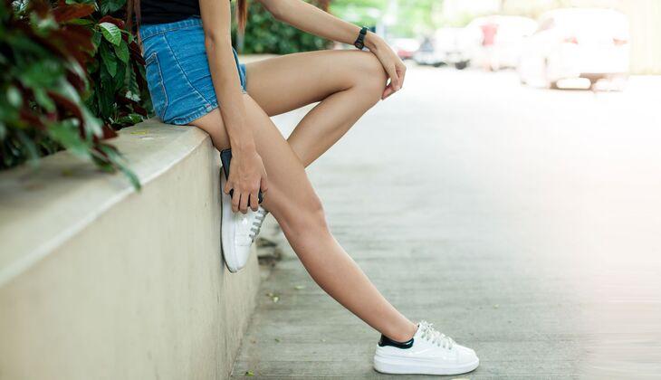 5a1f890aa2f413 5 perfekte Schuhe-Hosen-Kombis