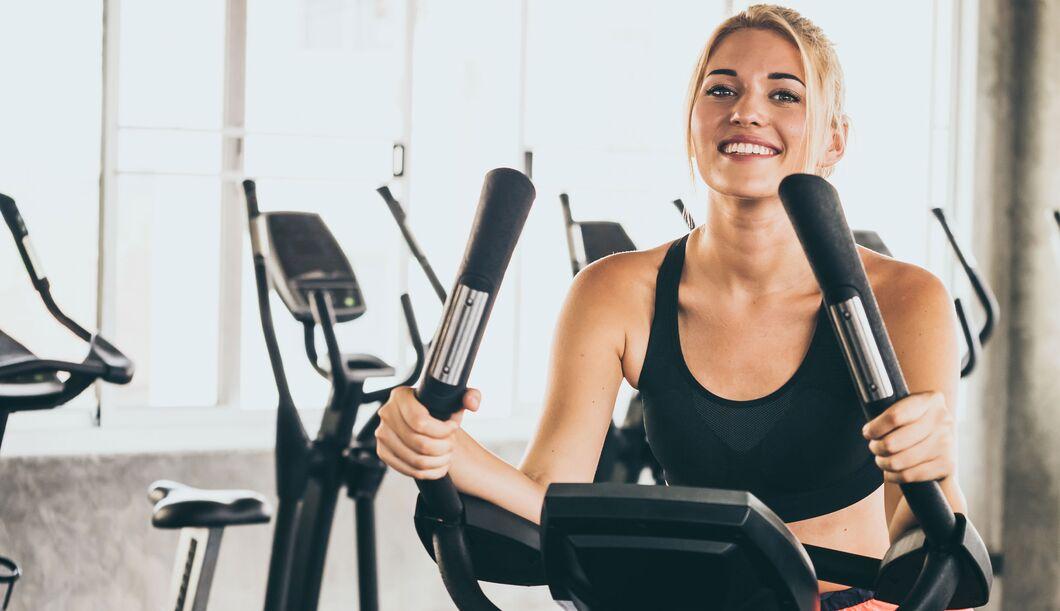Welches Fitnessgerät hilft beim Abnehmen?